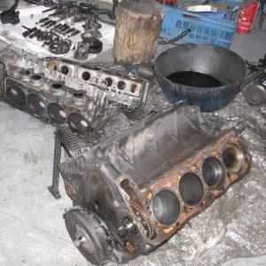Motorrevision Mercedes-Benz 8-Zylinder